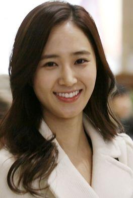 Картинки по запросу Kwon Yu Ri